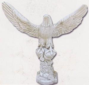 aigle-ailes-ouvertes---sur-totem