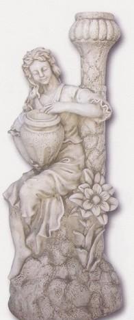 Vénus assise sur roche